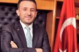 AK Partili Belediye Başkanı Oğuz, silahlı saldırıda ayağından yaralandı.