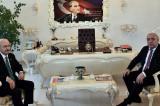 CHP'li Çat Belediye Başkanı'nın ihtişamlı odası