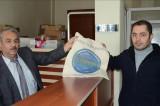 Belediye poşet kullanımını önlemek için 8 bin bez çanta yaptırdı