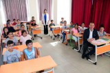 Adana'da belediye otobüsü öğrencilere bedava