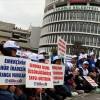 Bolu Belediyesi'nde işten çıkarılan işçiler oturma eylemi başlattı