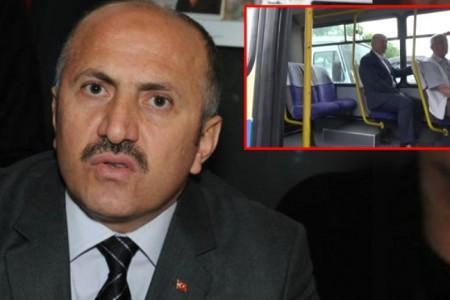 Çayeli Belediye Başkanı İsmail Hakkı Çiftçi, belediyeye dolmuşla gidip geliyor