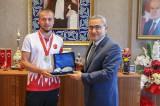 Atletizm Dünya Şampiyonu Alim Işık'ı ziyaret etti
