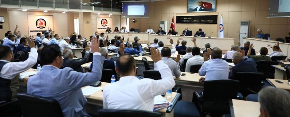 AK Parti'li belediyelerden CHP'li merhum milletvekiline vefa