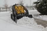 İnsansız iş makinesi ile kar küreme yapıldı
