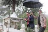 Belediye Başkanı Böcek'ten tepki çeken davranış