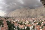 Ankara'da kum fırtınası: Polatlı toz bulutuyla kaplandı, 6 kişi yaralandı