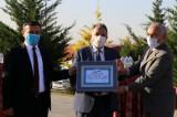 """Talas Belediye Başkanı Yalçın'a """"yılın hayvanseveri beratı"""" verildi"""