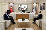 Antalya Büyükşehir Belediye Başkanı Muhittin Böcek görevine döndü