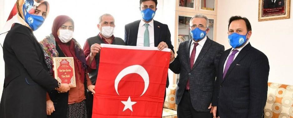Başkan Uludağ'dan şehit ailelerine anlamlı ziyaret