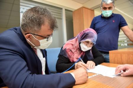 Belediye Başkanı Abdullah Çatal, Şehit Ailesine Ev Hediye Etti